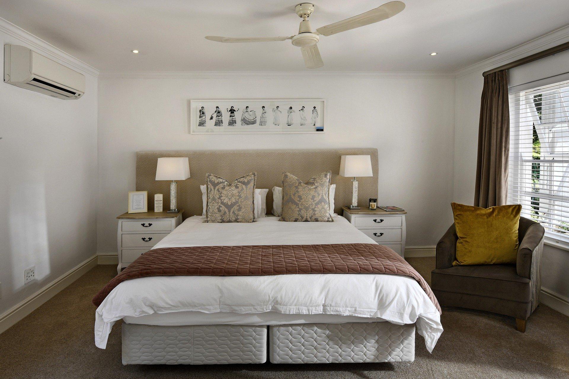 bedroom-5664221_1920